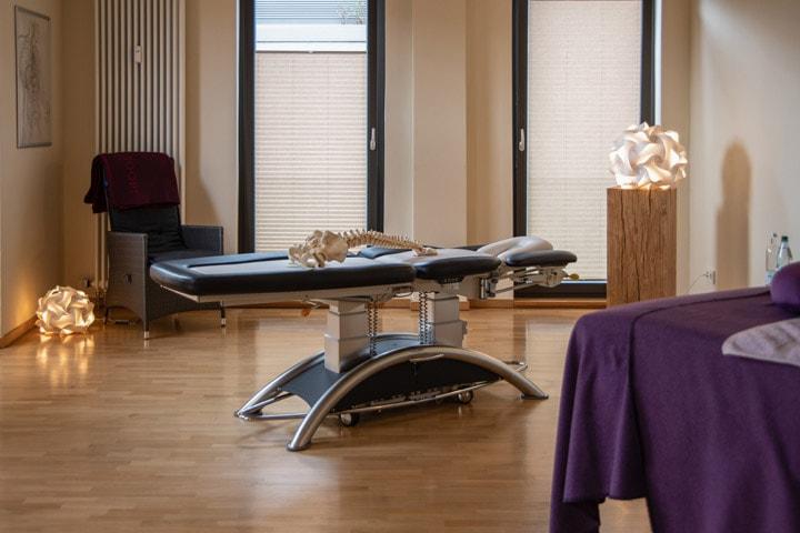 Behandlungsraum in der Praxis für Osteopathie und Naturheilkunde Werner Zender